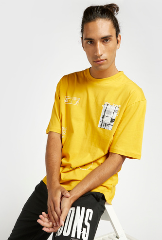 Slim Fit Graphic Print Oversized T-shirt with Crew Neck