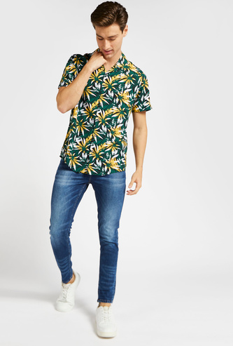Slim Fit Palm Print Shirt with Short Sleeves and Spread Collar