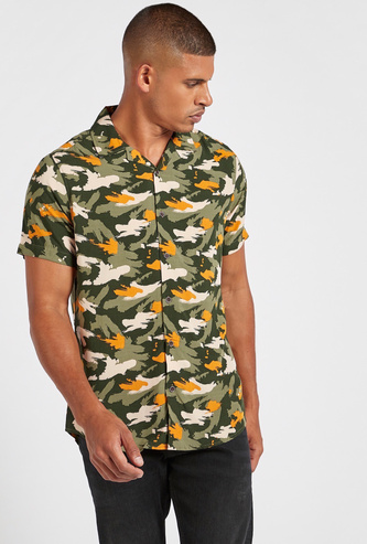 Slim Fit All-Over Abstract Print Shirt with Short Sleeves