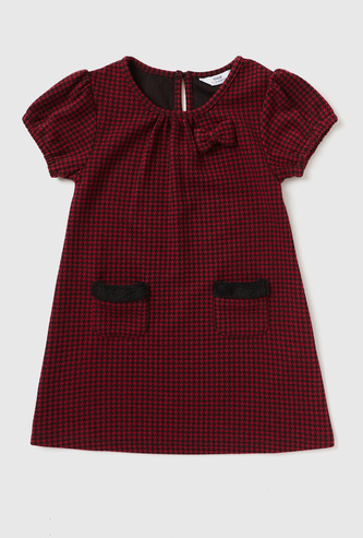 Houndstooth Checked Knee Length Dress with Cap Sleeves