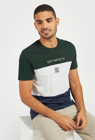 Typographic Print Colourblock T-shirt with Crew Neck and Short Sleeves