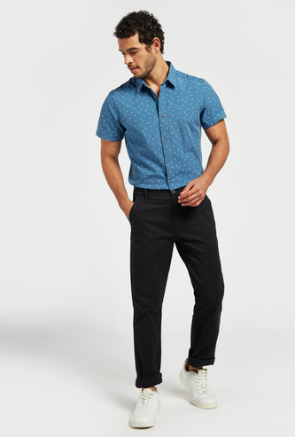 Solid Mid-Rise Regular Fit Chinos with Button Closure