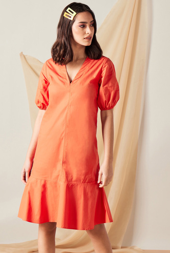 Solid Midi Dress with V-Neck and Puff Sleeves
