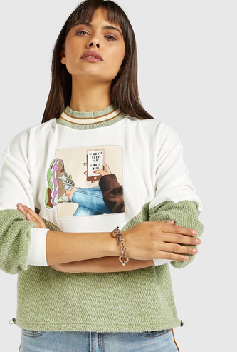 Textured Graphic Print Sweat Top with Long Sleeves