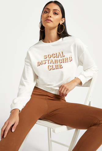 Typographic Print Cropped Sweat Top with Long Sleeves and Round Neck