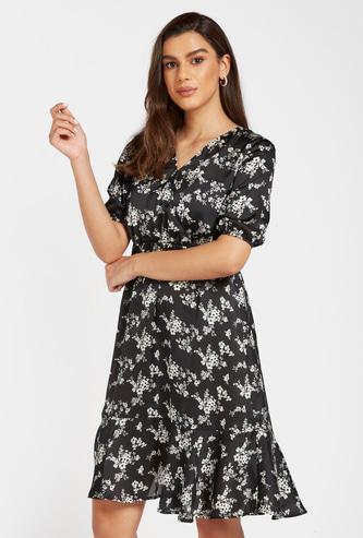 Floral Print Knee Length A-line V-neck Dress with Short Sleeves