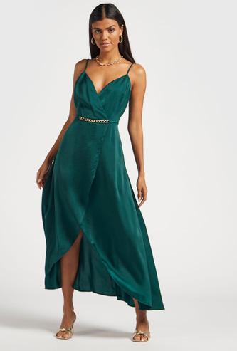 فستان طويل سادة مع أحزمة رفيعة