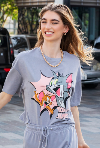 Tom and Jerry Graphic Print T-shirt with Drop Shoulder Sleeves