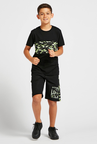 Graphic Print Crew Neck T-shirt with Panel Print Shorts Set