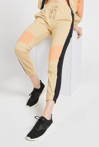Colour Block Jog Pants with Pockets and Drawstring