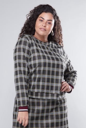 Chequered Sweat Top with Round Neck and Long Sleeves