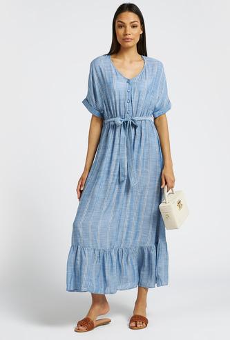 فستان مقلّم إيه لاين طويل بحزام وأكمام طويلة