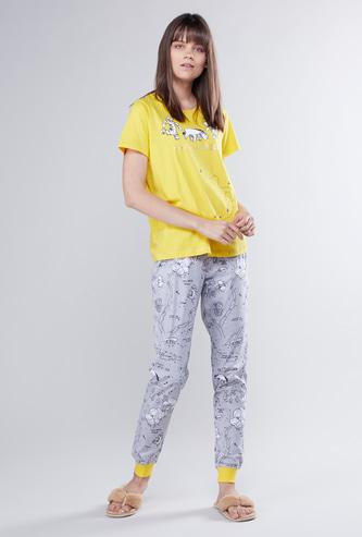 Winnie-the-Pooh Print Round Neck T-shirt and Full Length Jog Pants Set