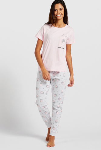 Graphic Print T-shirt and Full-Length Pyjama Set