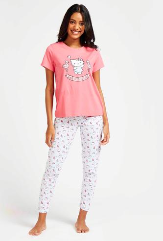 Hello Kitty Graphic Print T-shirt and Pyjama Set