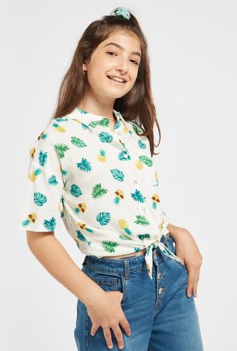 قميص مطبوع بالكامل بأزرار للإغلاق وأربطة