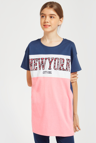 Text Print Longline T-shirt with Round Neck and Short Sleeves