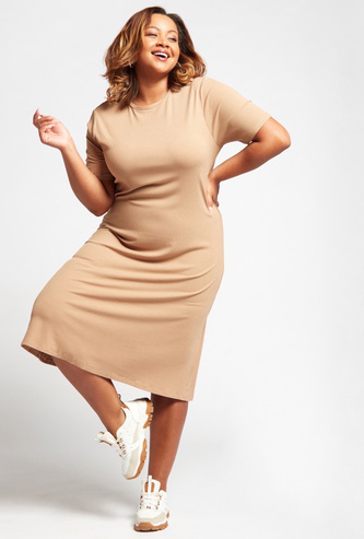 Ribbed Midi Shift Dress with Crew Neck and Short Sleeves