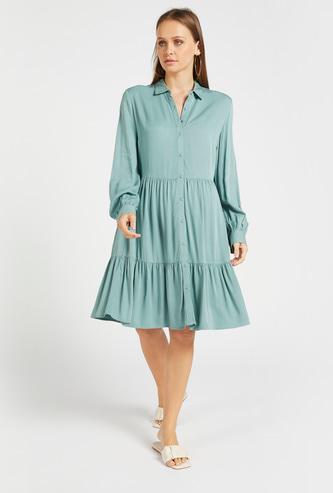 فستان قميص ميدي سادة متعدد الطبقات بأكمام طويلة وإغلاق بأزرار