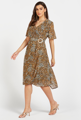 Floral Print Midi Wrap Dress with V-neck and Buckle Trim