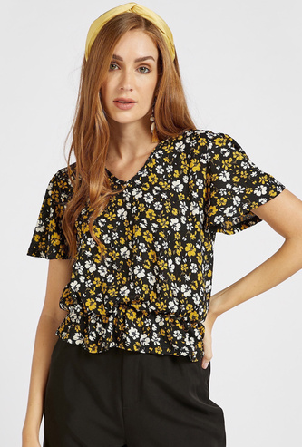 All-Over Floral Print Peplum Top with V-neck and Short Sleeves