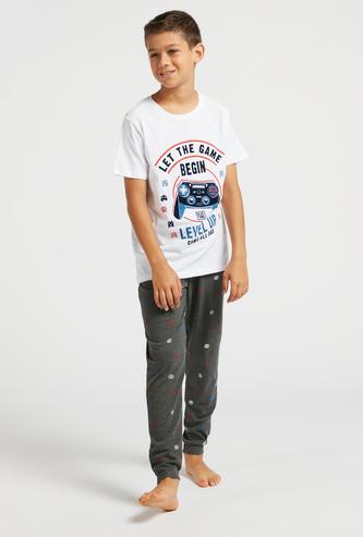 Graphic Print Short Sleeves T-shirt and All-Over Print Pyjama Set