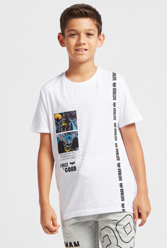 Batman Scene and Vertical Text Print T-shirt with Short Sleeves