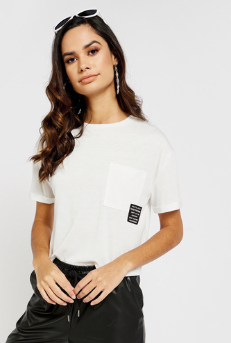 Solid Round Neck Boxy Crop T-shirt with Short Sleeves