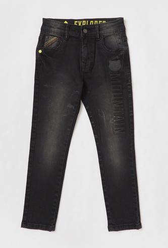 Comfort Fit Embossed Detail Jeans with Zip Closure and Pockets