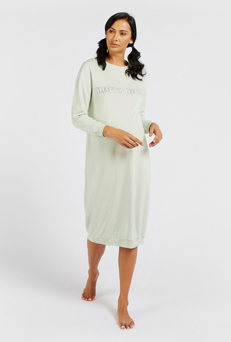 Slogan Print Round Neck Maternity Sleepshirt with Long Sleeves