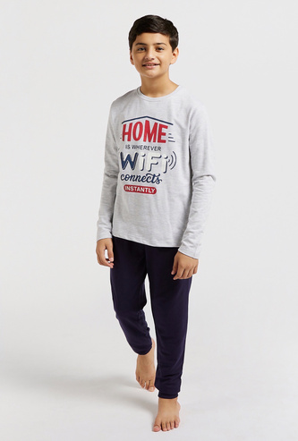 Printed Round Neck T-shirt with Solid Joggers Set