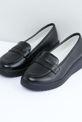 Slip-On Shoes with Saddle
