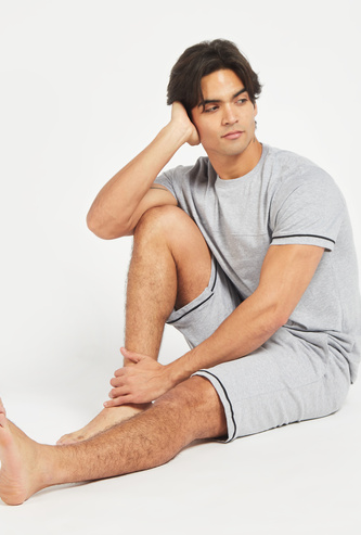 Solid T-shirt with Short Sleeves and Shorts Set