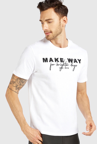 Slim Fit 3D Embroidered T-shirt with Round Neck and Short Sleeves