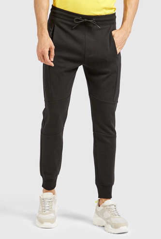 Solid Full Length Mid Rise Jogger with Drawstring Closure and Pockets