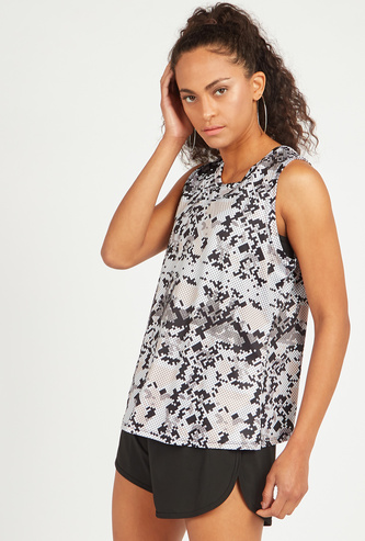 Slim Fit Printed Sleeveless Vest with Round Neck