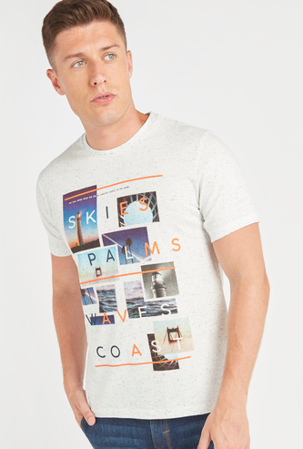 Graphic Print T-shirt with Short Sleeves