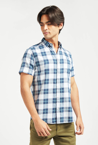 Checked Collared Shirt with Short Sleeves and Button Closure
