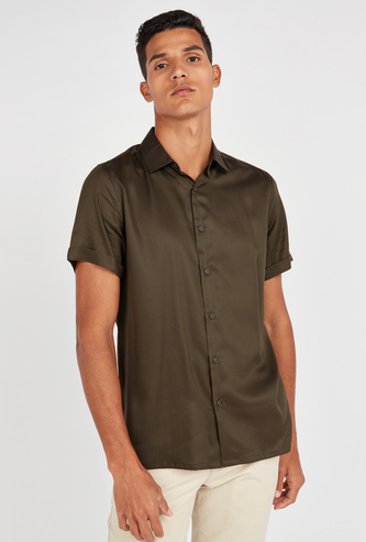 Slim Fit Solid Shirt with Spread Collar and Short Sleeves