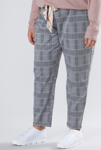 Chequered Full Length Pants with Pocket Detail
