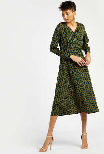 Geometric Print Midi A-line Dress with V-neck and Long Sleeves