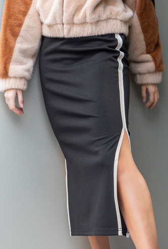 Solid Midi A-line Skirt with Side Tape Detail and Slit