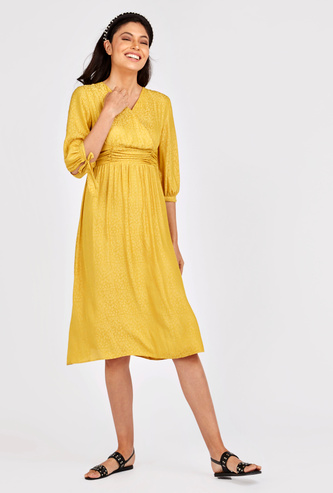 Textured Midi A-line Wrap Dress with 3/4 Sleeves and Tie Ups
