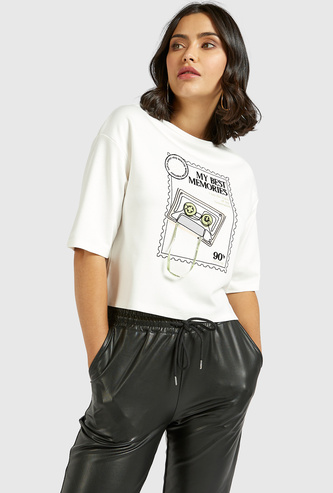 Graphic Print Boxy Top with Crew Neck and Short Sleeves