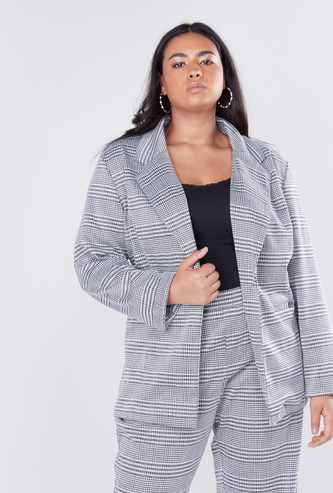 Textured Boyfriend Jacket with Notched Lapels and Long Sleeves