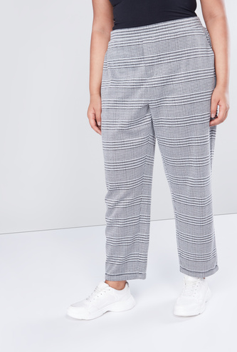 Regular Fit Chequered Pants with Pocket Detail