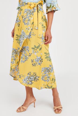 تنورة ملفوفة بطبعات ازهار مع اربطة