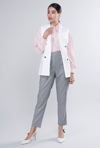 Plain Sleeveless Jacket with Pocket Detail and Tie Ups