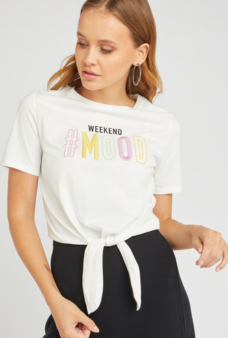 Embroidered Detail T-shirt with Short Sleeves and Knot Detail