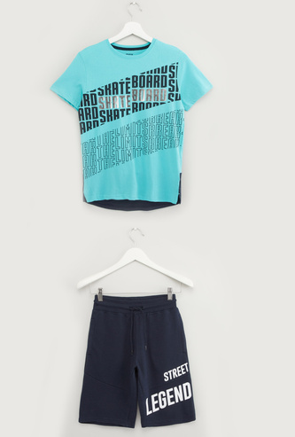Foil Print Round Neck T-shirt with Pocket Detail Shorts
